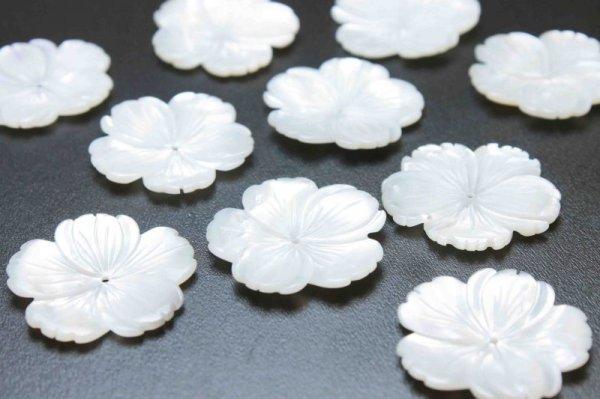 画像2: マザーオブパール 白蝶貝 花 フラワー 桜 彫刻 パーツ 1個 品番: 11831