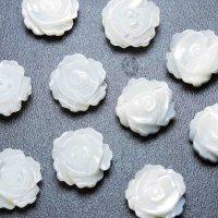 マザーオブパール 白蝶貝 花 フラワー バラ 彫刻 パーツ 通し穴あり 1個 品番: 11830