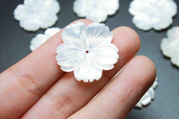 画像4: マザーオブパール 白蝶貝 花 フラワー 桜 彫刻 パーツ 1個 品番: 11831
