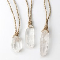 ネックレス 水晶ポイント 大 紐付き ライトブラウン 原石ペンダント 浄化 エネルギー 天然石 品番:13967